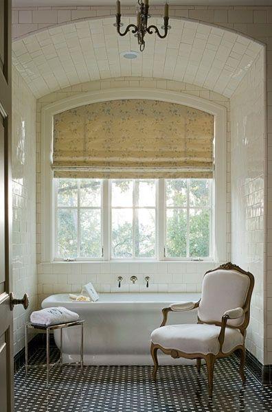 Elegant renovering af badeværelse